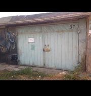 Продам гараж в 12 мкр.,  за поликлиникой #5